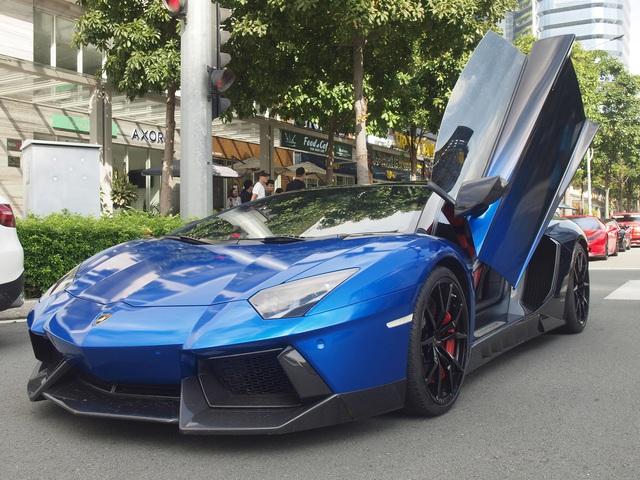 Dàn siêu xe, xe siêu sang bạc tỷ của giới nhà giàu Sài Gòn nối đuôi nhau đi dã ngoại cuối tuần - Ảnh 6.