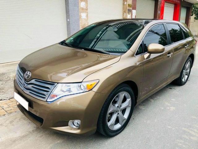 Qua thời đỉnh cao, Toyota Venza hạ giá rẻ ngang Kia Seltos thế hệ mới - Ảnh 1.
