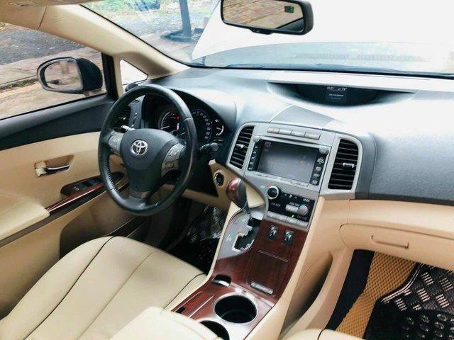 Qua thời đỉnh cao, Toyota Venza hạ giá rẻ ngang Kia Seltos thế hệ mới - Ảnh 3.