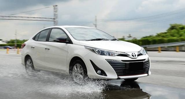 Top 5 ô tô trong tầm giá 400 triệu đồng cực hot, giảm giá tới 70 triệu đồng - Ảnh 4.