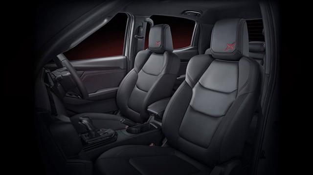 Isuzu tung D-Max phiên bản thể thao đối đầu với Ford Ranger và Toyota Hilux - Ảnh 4.