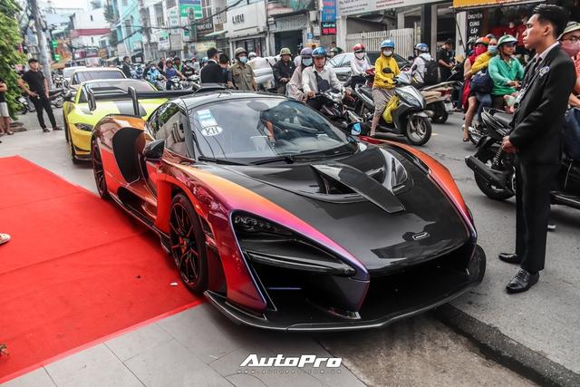 Tổ chức sinh nhật cho vợ, Hoàng Kim Khánh lần đầu tiên mang siêu phẩm McLaren Senna ra đường - Ảnh 1.