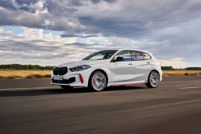 Ra mắt BMW 128ti: Xe sang hạ mình đấu Honda Civic và Ford Focus - Ảnh 1.