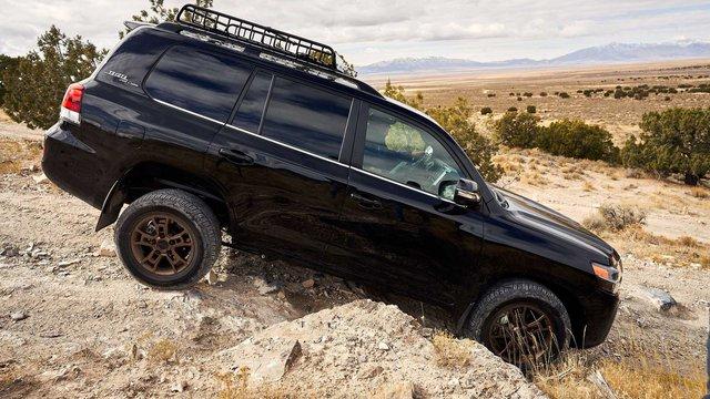 Lại rộ tin huyền thoại Toyota Land Cruiser bị khai tử vào năm sau - Ảnh 3.