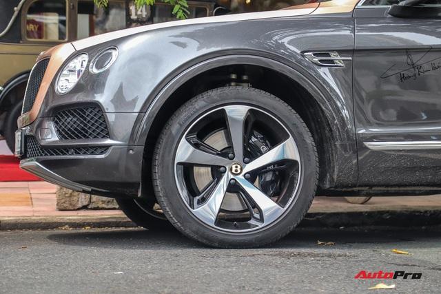 Cận cảnh Bentley Bentayga V8 hai tông màu cực độc của doanh nhân Hoàng Kim Khánh, tiểu sử của chiếc xe gây chú ý - Ảnh 6.