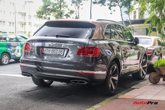 Cận cảnh Bentley Bentayga V8 hai tông màu cực độc của doanh nhân Hoàng Kim Khánh, tiểu sử của chiếc xe gây chú ý - Ảnh 7.
