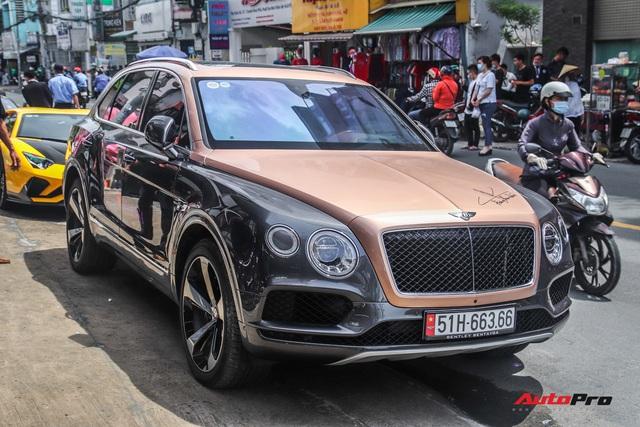 Cận cảnh Bentley Bentayga V8 hai tông màu cực độc của doanh nhân Hoàng Kim Khánh, tiểu sử của chiếc xe gây chú ý - Ảnh 1.