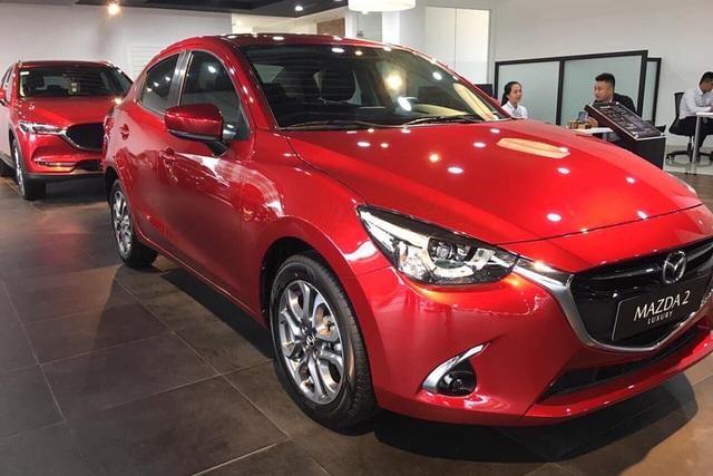 Đại lý xả hàng tồn: Mazda2 bản 'full option' dưới 500 triệu cạnh tranh Toyota Vios - Ảnh 2.