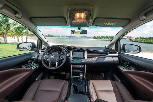 Toyota Innova nâng cấp tại Việt Nam: Bản dịch vụ thêm trang bị, giảm giá cả chục triệu đồng cạnh tranh Mitsubishi Xpander - Ảnh 2.