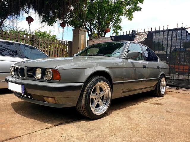 Bán BMW E34 già gần 30 tuổi, chủ xe vẫn được khen tới tấp dù chào giá hơn 320 triệu đồng - Ảnh 1.