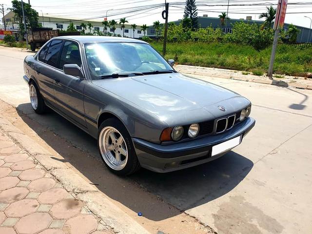 Bán BMW E34 già gần 30 tuổi, chủ xe vẫn được khen tới tấp dù chào giá hơn 320 triệu đồng - Ảnh 4.