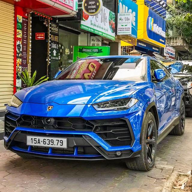 Lamborghini Urus màu xanh dương của doanh nhân Hải Phòng chính thức ra biển số, cặp số thần tài gây ấn tượng - Ảnh 2.