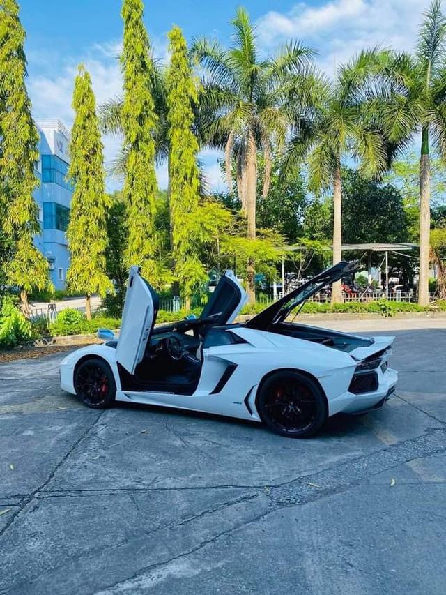 Doanh nhân Bình Phước tậu Lamborghini Aventador Roadster, nhưng Bình Phước sẽ còn chơi lớn hơn với loạt hàng khủng sắp tới - Ảnh 1.