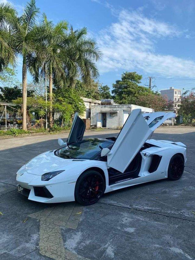 Doanh nhân Bình Phước tậu Lamborghini Aventador Roadster, nhưng Bình Phước sẽ còn chơi lớn hơn với loạt hàng khủng sắp tới - Ảnh 2.