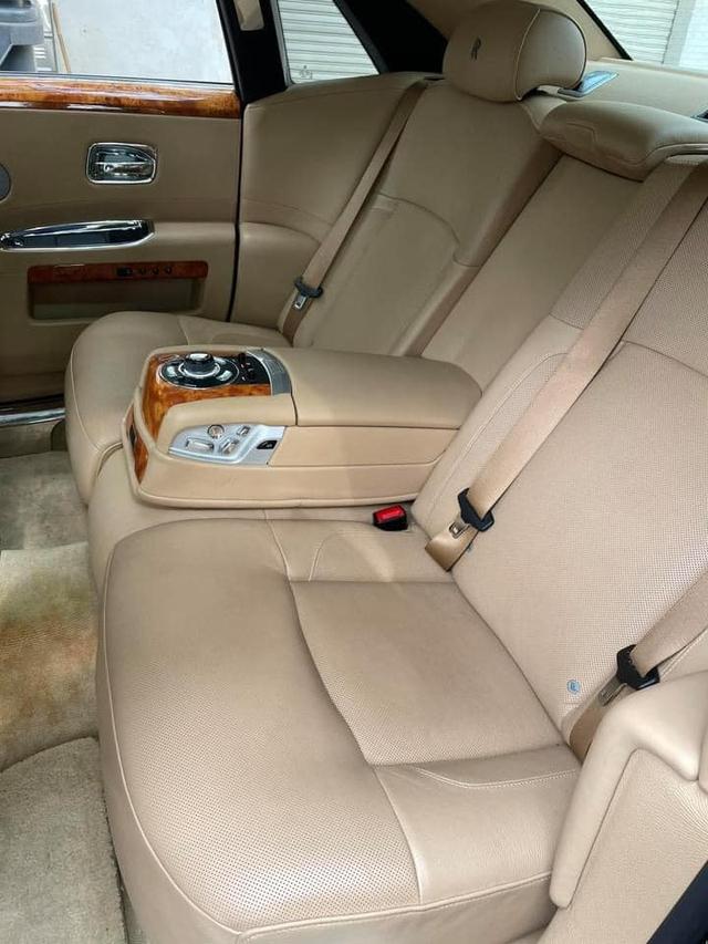 Sau 10 năm, Rolls-Royce Ghost bán lại giá chưa tới 9 tỷ đồng dù chỉ chạy 30.000km - Ảnh 5.