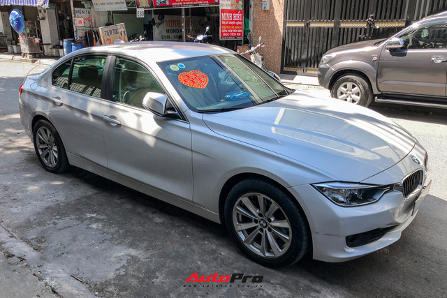 Loạt siêu xe, xe sang hùng hậu đưa dâu trong đám cưới Xemesis - Xoài Non, chú rể cầm lái xe hoa BMW i8 4 tỷ - Ảnh 10.