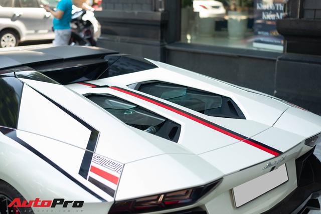 Lamborghini Aventador Roadster LP700-4 của đại gia Hà Nội lột xác bằng lớp decal lấy cảm hứng từ phiên bản độc nhất thế giới - Ảnh 5.