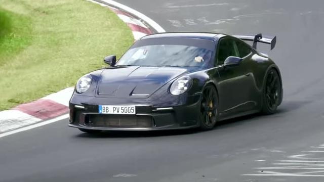 Porsche 911 GT3 lộ nội thất nhưng vòng tua máy 9.000 v/ph mới gây chú ý - Ảnh 3.