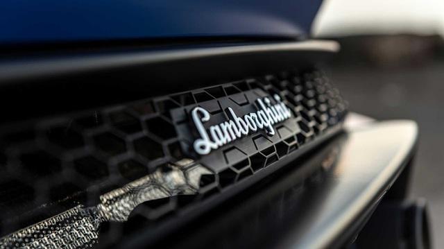 Volkswagen gom Lamborghini, Ducati và Italdesign làm một khối, tính 'bán cả cụm' nhanh nhất có thể