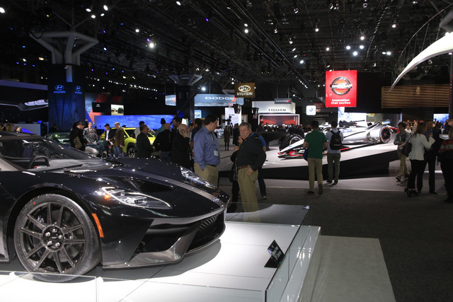 Các hãng xe đồng loạt 'bỏ show', triển lãm liền tung nghiên cứu cho thấy họ vẫn còn hữu dụng - Ảnh 1.