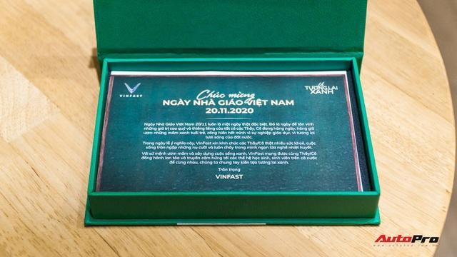'Đập hộp' quà hơn 30 triệu đang gây sốt của VinFast nhân dịp 20/11  - Ảnh 3.