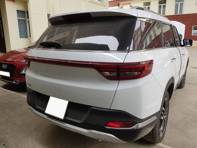 Sau 1 năm tuổi, Range Rover Trung Quốc BAIC Q7 xuống giá rẻ ngang Toyota Vios đập hộp - Ảnh 2.