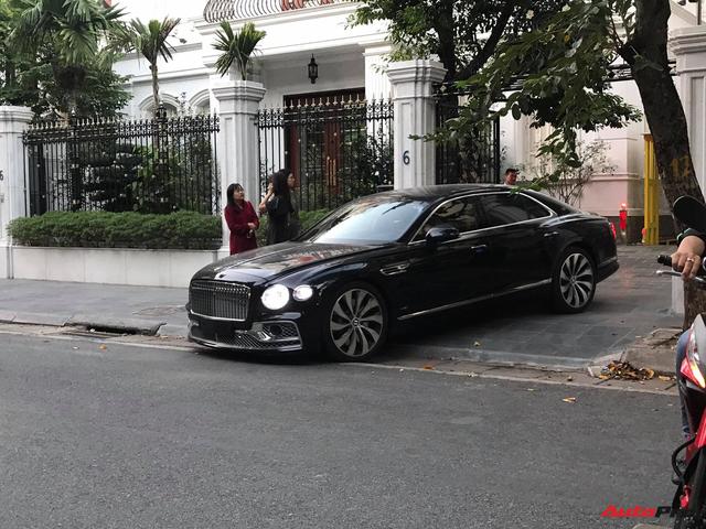 Bắt gặp Bentley Flying Spur First Edition thứ hai tại Việt Nam của đại gia kín tiếng, giá không dưới 30 tỷ đồng - Ảnh 1.