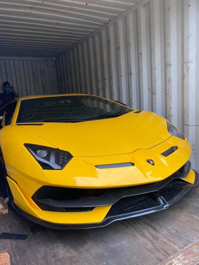 Sau 5 tháng, Lamborghini Aventador SVJ thứ hai chính thức cập bến về Việt Nam với màu sơn ấn tượng - Ảnh 5.