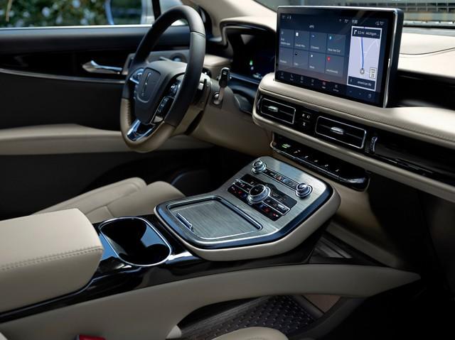 Ra mắt Lincoln Nautilus 2021: Đấu Lexus GX 460 bằng trang bị - Ảnh 2.