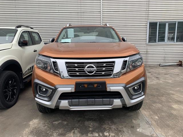 Vừa về tay nhà phân phối mới, Nissan Navara giảm giá niêm yết gần 40 triệu đồng - Ảnh 1.