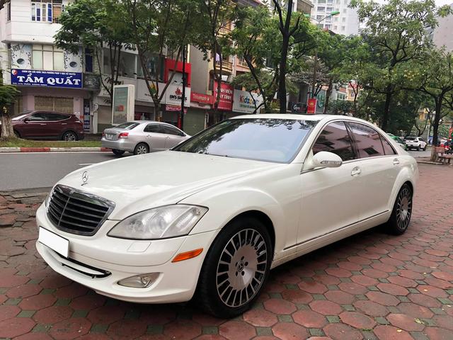Độ kiểu Maybach, Mercedes-Benz S 550 cũ vẫn có giá rẻ hơn Toyota Corolla Altis cả chục triệu đồng - Ảnh 1.