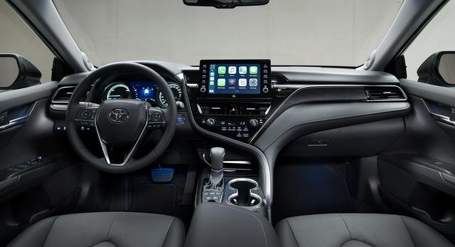 Ra mắt Toyota Camry Hybrid 2021: Hoàn thiện hơn với thiết kế, công nghệ mới - Ảnh 2.