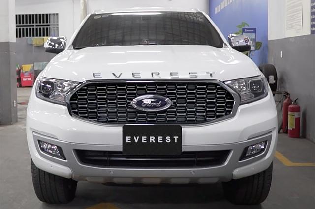 Ford Everest 2021 về đại lý: 3 phiên bản, cắt trang bị, gặp khó trước Toyota Fortuner - Ảnh 1.