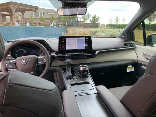 Toyota Sienna 2021 về Việt Nam: Xe gia đình sang chảnh dáng như SUV, giá gần 4,5 tỷ đồng ngang ngửa Lexus RX 350 - Ảnh 4.