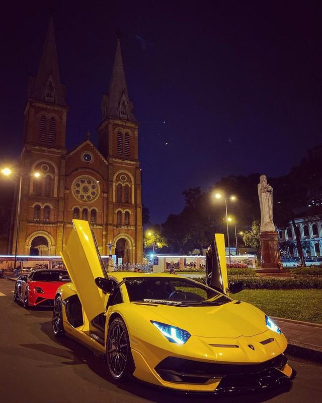 Lamborghini Aventador SVJ thứ 2 Việt Nam được chuyển về Sài Gòn, tấm biển gắn trên xe gây tò mò - Ảnh 3.
