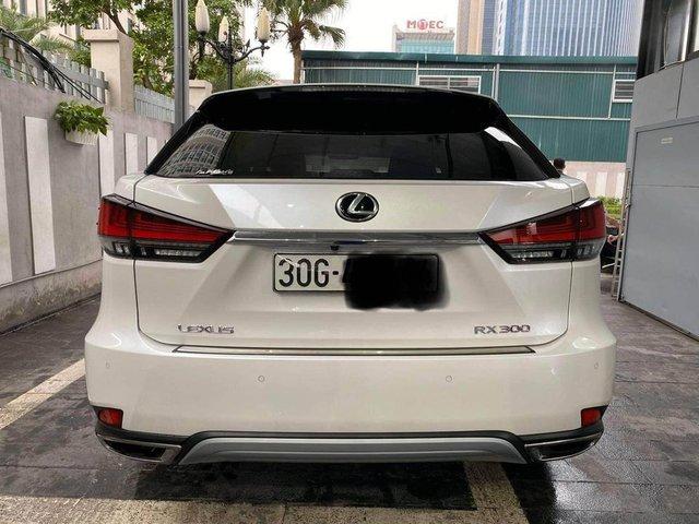 Chưa đi được 2.000km, chủ nhân Lexus RX 300 2020 đã bán xe với giá 3 tỷ đồng  - Ảnh 2.