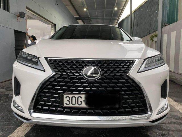 Chưa đi được 2.000km, chủ nhân Lexus RX 300 2020 đã bán xe với giá 3 tỷ đồng  - Ảnh 1.