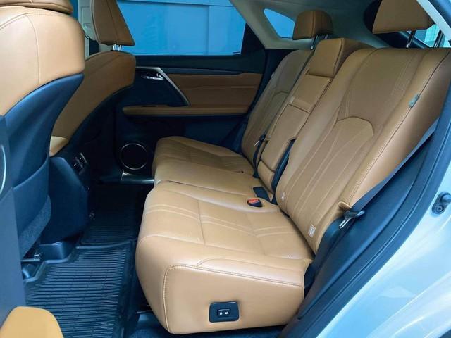 Chưa đi được 2.000km, chủ nhân Lexus RX 300 2020 đã bán xe với giá 3 tỷ đồng  - Ảnh 4.