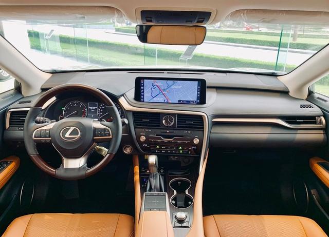 Chưa đi được 2.000km, chủ nhân Lexus RX 300 2020 đã bán xe với giá 3 tỷ đồng  - Ảnh 3.