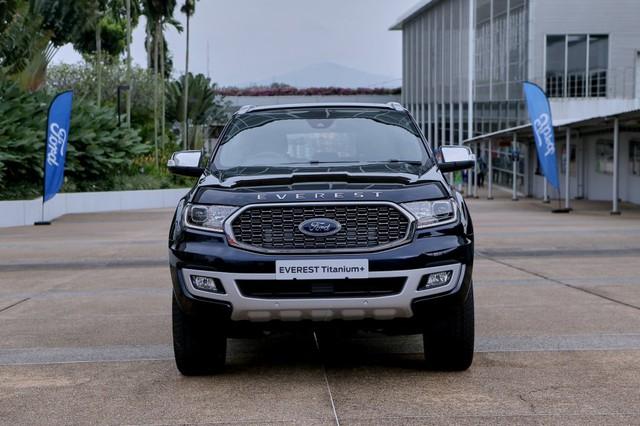 Ra mắt Ford Everest 2021: Nhiều chi tiết hot được tiêu chuẩn hoá, đe nẹt Toyota Fortuner - Ảnh 1.