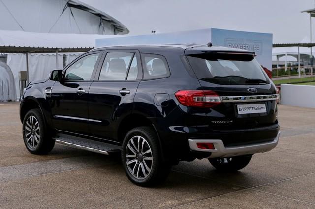 Ra mắt Ford Everest 2021: Nhiều chi tiết hot được tiêu chuẩn hoá, đe nẹt Toyota Fortuner - Ảnh 3.