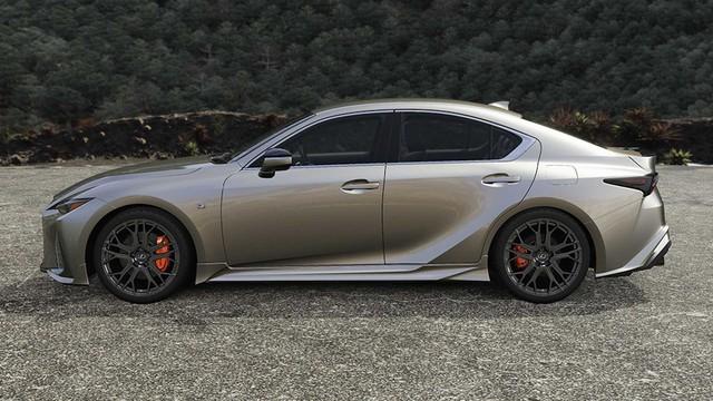 Lexus IS nâng cấp với gói độ thể thao hầm hố - Nỗ lực trẻ hoá, đấu 3-Series, C-Class - Ảnh 4.