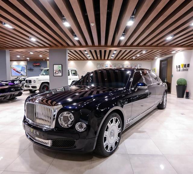 Đại lí chào hàng Bentley Mulsanne bản cực hiếm cho đại gia Việt: Giá cả chục tỷ đồng, dài rộng chưa từng thấy - Ảnh 4.