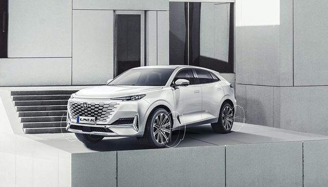 Soi mẫu ô tô Trung Quốc vay mượn thiết kế từ châu Âu, giá 600 triệu chào khách - Ảnh 11.