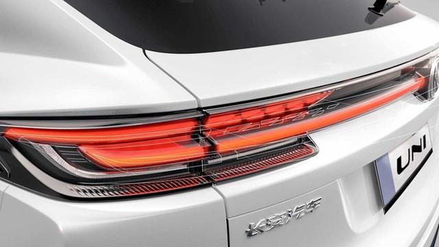 Soi mẫu ô tô Trung Quốc vay mượn thiết kế từ châu Âu, giá 600 triệu chào khách - Ảnh 6.