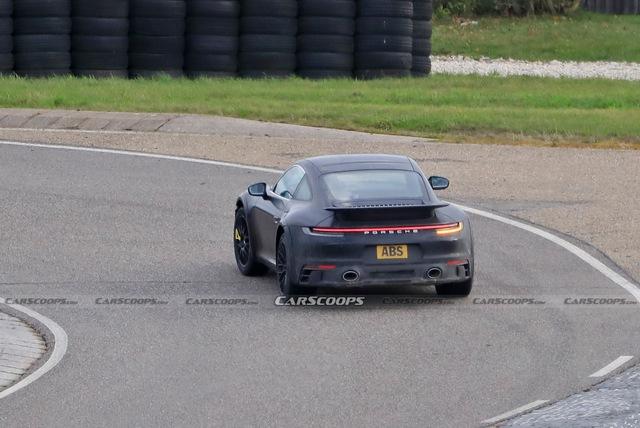 Porsche 911 gầm cao tiếp tục lộ diện - canh bạc rủi ro của ngựa Đức - Ảnh 2.