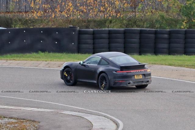 Porsche 911 gầm cao tiếp tục lộ diện - canh bạc rủi ro của ngựa Đức - Ảnh 1.