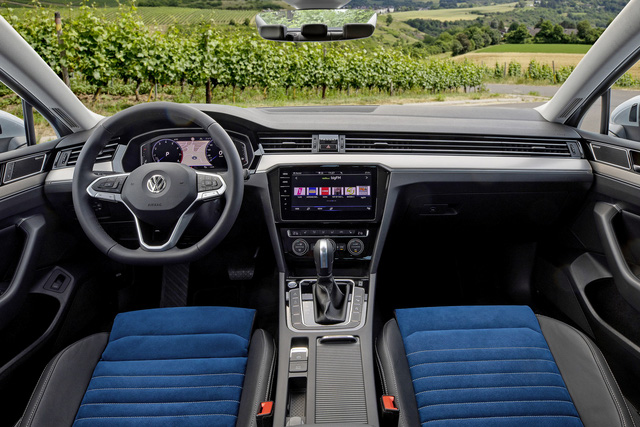 Toyota Camry và Honda Accord sắp bớt đi đối thủ bán chạy này - Ảnh 2.