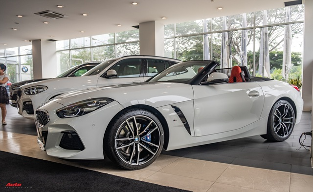 Minh nhựa lần đầu cầm lái BMW Z4 giá hơn 3 tỷ đồng ra đường, tái ngộ doanh nhân Nguyễn Quốc Cường sau nhiều năm - Ảnh 4.