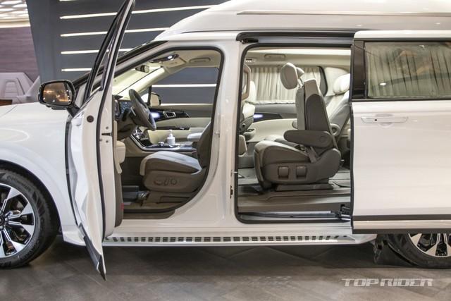 Chi tiết Kia Sedona High Limousine 2021 ngoài đời thực: Sang như xe Đức, giá quy đổi hơn 1,2 tỷ đồng khiến người Việt phát thèm - Ảnh 9.